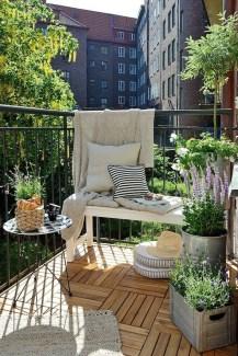 Creative And Simple Balcony Decor Ideas16