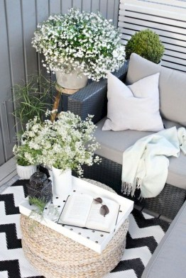 Creative And Simple Balcony Decor Ideas21
