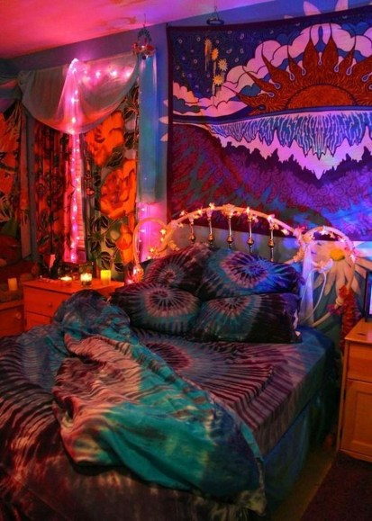 Awesome Bohemian Bedroom Tapestry Decorating Ideas15