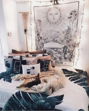 Awesome Bohemian Bedroom Tapestry Decorating Ideas20