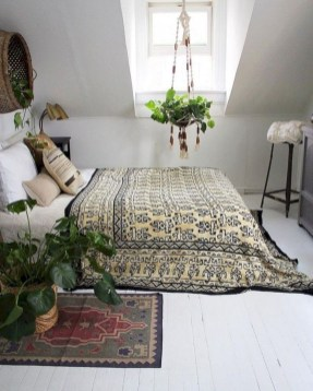 Awesome Bohemian Bedroom Tapestry Decorating Ideas25