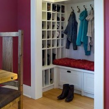 Awesome Shoe Storage Diy Projects For Small Spaces Ideas35