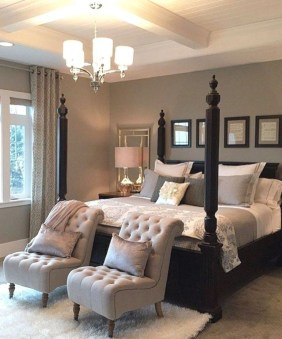 Gorgeous Small Master Bedroom Designs15