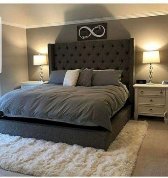 Gorgeous Small Master Bedroom Designs26