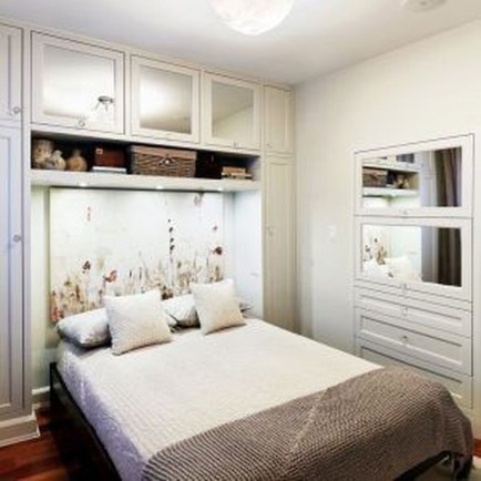 Gorgeous Small Master Bedroom Designs47