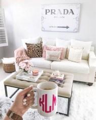Comfy Studio Living Room Apartment16
