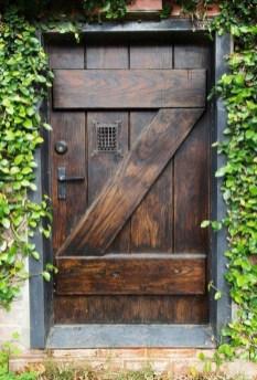 Gorgeous Wooden Door Ideas23