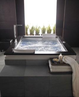 Modern Jacuzzi Bathroom Ideas17