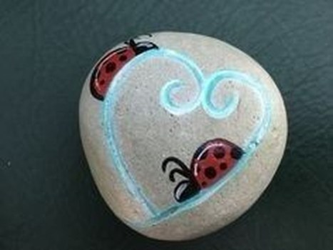 Simple Painted Rock Ideas For Garden21