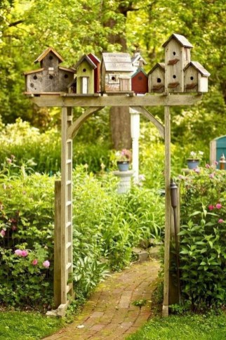 Amazing Ideas For Vintage Garden Decorations For Your Inspiration08