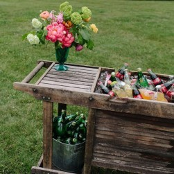 Amazing Ideas For Vintage Garden Decorations For Your Inspiration11