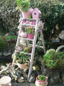 Amazing Ideas For Vintage Garden Decorations For Your Inspiration18