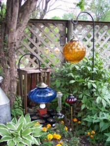 Amazing Ideas For Vintage Garden Decorations For Your Inspiration19