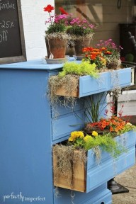 Amazing Ideas For Vintage Garden Decorations For Your Inspiration29