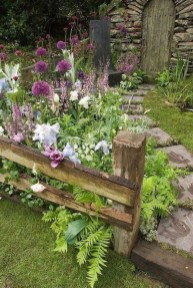Amazing Ideas For Vintage Garden Decorations For Your Inspiration30