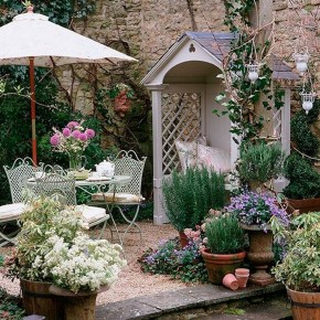 Amazing Ideas For Vintage Garden Decorations For Your Inspiration36