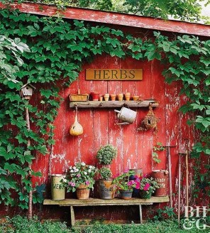 Amazing Ideas For Vintage Garden Decorations For Your Inspiration47