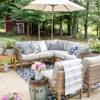 Beautiful Outdoor Living Decoration Ideas15
