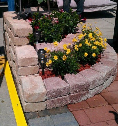 Incredible Flower Bed Design Ideas For Your Small Front Landscaping01