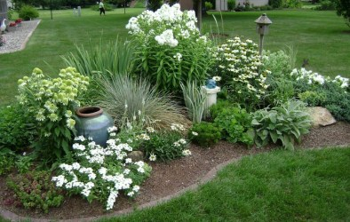 Incredible Flower Bed Design Ideas For Your Small Front Landscaping05