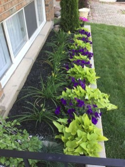 Incredible Flower Bed Design Ideas For Your Small Front Landscaping14