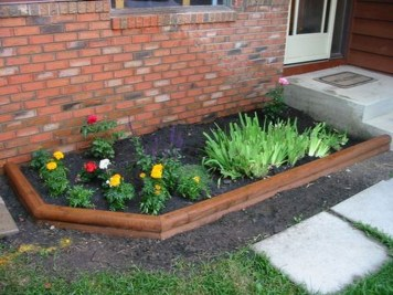 Incredible Flower Bed Design Ideas For Your Small Front Landscaping25
