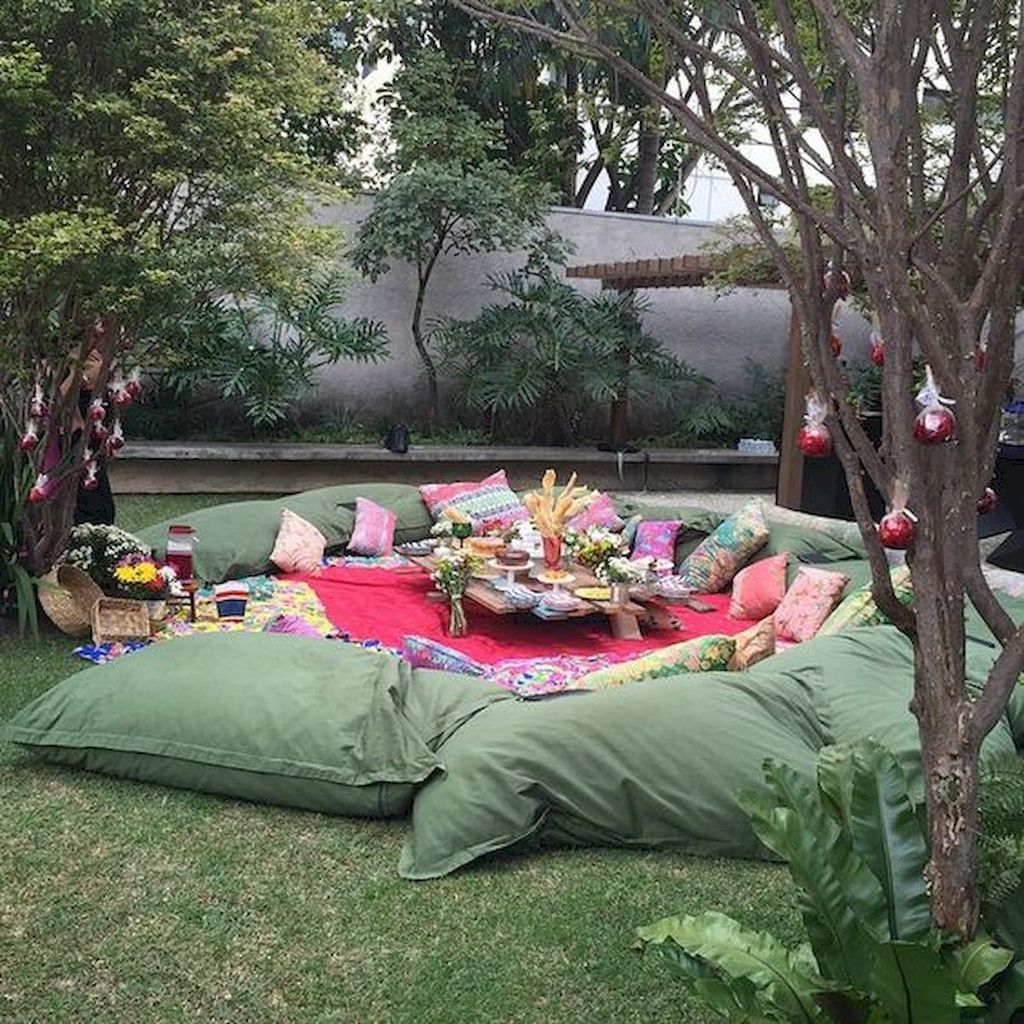 Comfortable Backyard Decoration Ideas For Your Summer36