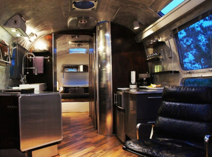 Enchanting Airstream Rv Design And Decoration Ideas For Your Travel Comfort21