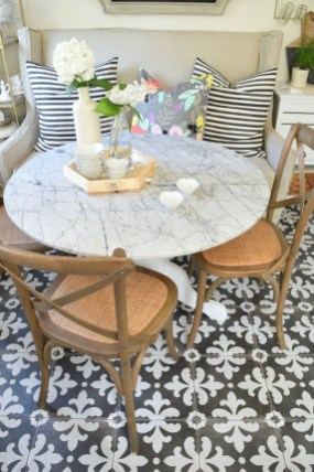 The Most Effective Tiny Dining Room Design Ideas36