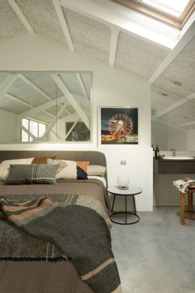 Awesome Industrial Style Bedroom Design Ideas07