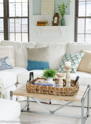 Beautiful Summer Living Room Decor Pieces To Enhance Your Home16