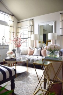 Beautiful Summer Living Room Decor Pieces To Enhance Your Home21