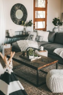 Beautiful Summer Living Room Decor Pieces To Enhance Your Home34