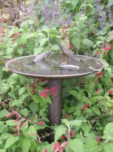 Bird Bath Design Ideas For Your Backyard Inspiration21