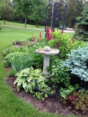 Bird Bath Design Ideas For Your Backyard Inspiration25