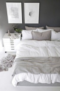 Simple Bedroom Decorating Ideas That Feel Spacious02