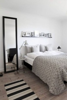 Simple Bedroom Decorating Ideas That Feel Spacious10