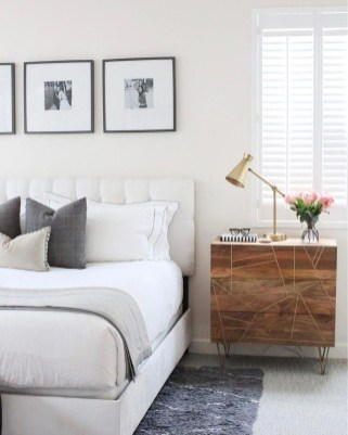 Simple Bedroom Decorating Ideas That Feel Spacious25