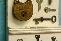 Wall Key Holders For Your Homes Entryway20