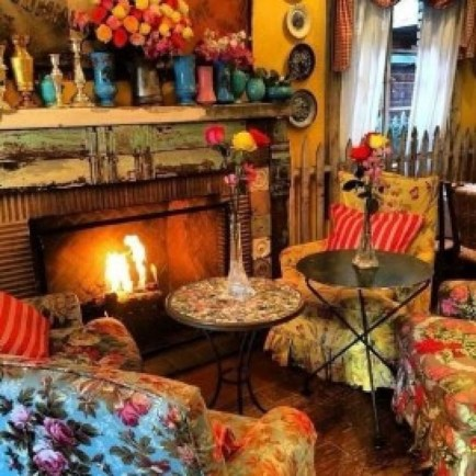 Charming Boho Living Room Decorating Ideas With Gypsy Style06