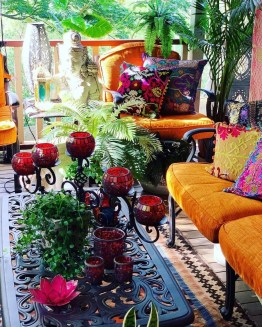 Charming Boho Living Room Decorating Ideas With Gypsy Style26