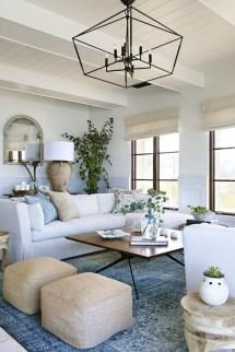 Elegant Coastal Themed Living Room Decorating Ideas19