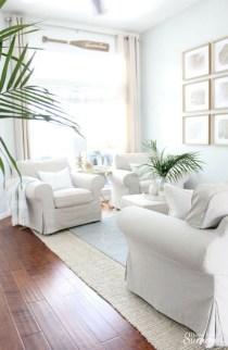Elegant Coastal Themed Living Room Decorating Ideas22