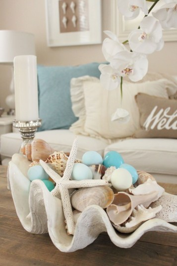 Elegant Coastal Themed Living Room Decorating Ideas28