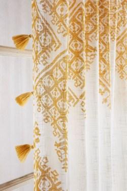 Fabulous Bathroom Design Ideas With Boho Curtains21