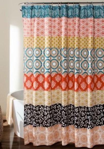 Fabulous Bathroom Design Ideas With Boho Curtains28