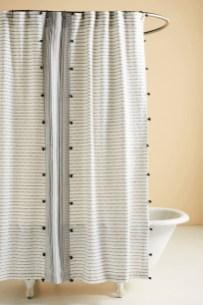 Fabulous Bathroom Design Ideas With Boho Curtains32