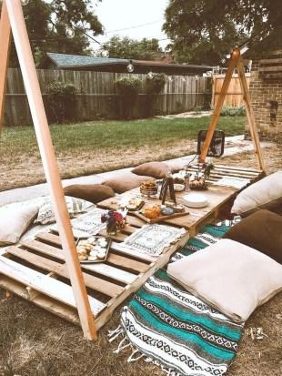 Inspiring Boho Outdoor Decorating Ideas For Backyard25