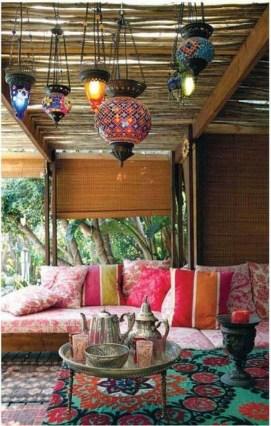 Inspiring Boho Outdoor Decorating Ideas For Backyard33