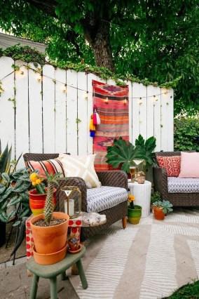 Inspiring Boho Outdoor Decorating Ideas For Backyard35